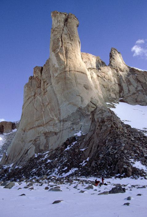 Høy steinformasjon, fjell