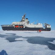 Båt i isen