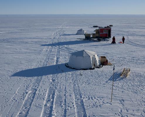 ekspedisjonsleir på isen